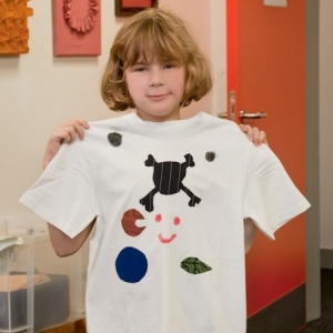 Embellish a T-shirt, ideal for older children and teens