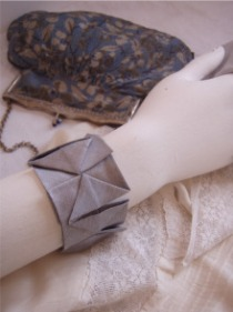 Pleat cuff pattern