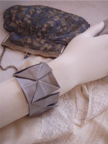 Pleat cuff pattern