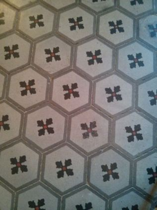 Dining room tiled floor